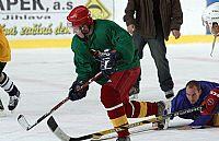 Hráčům přípravu zpestřil hokej